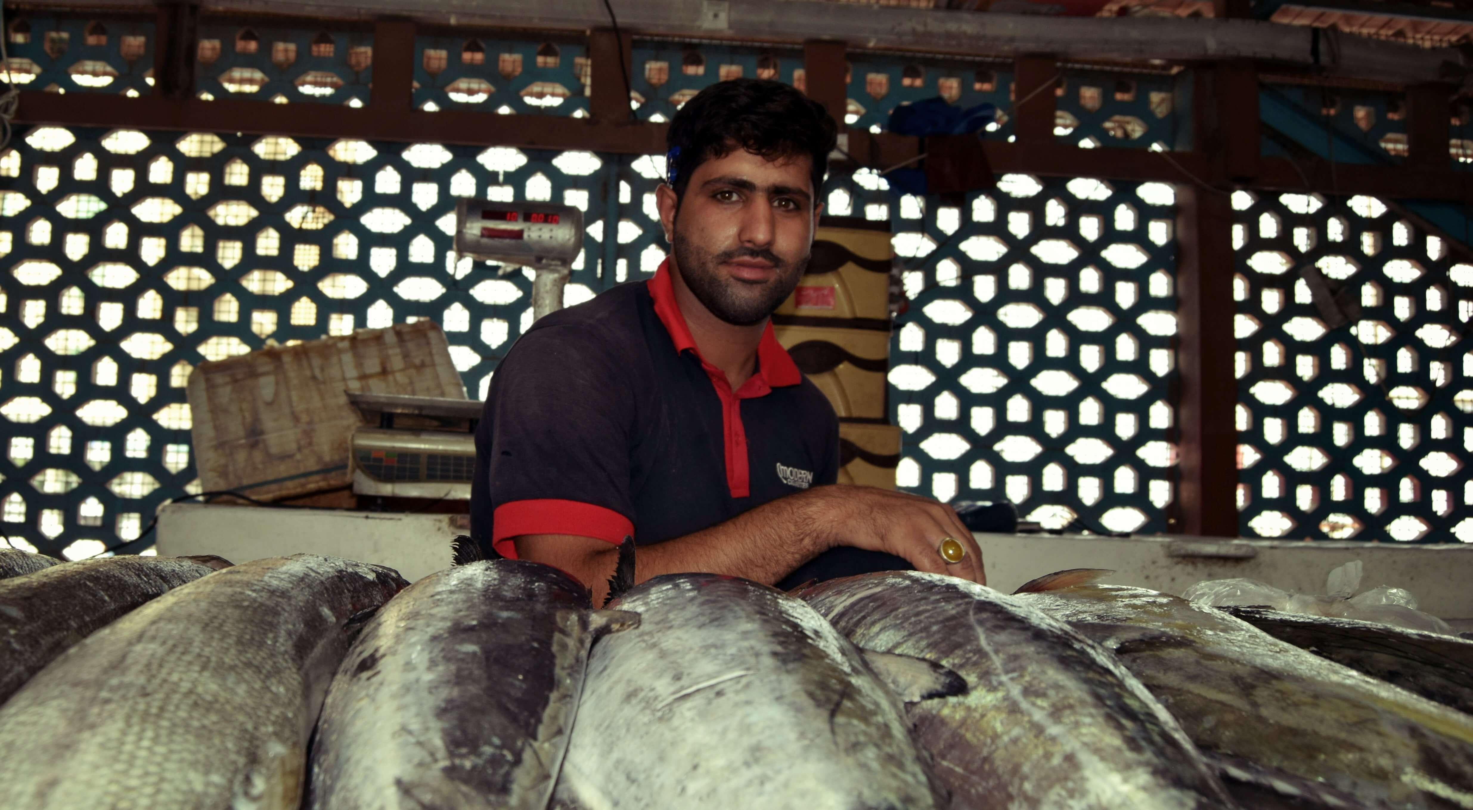 miradas persas en el mercado de bandar abas