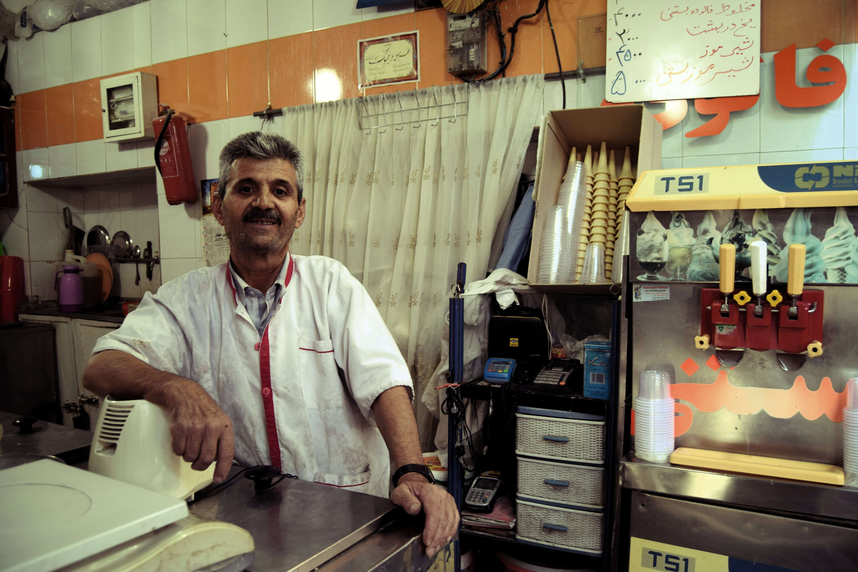 miradas persas faludeh maker en Shiraz
