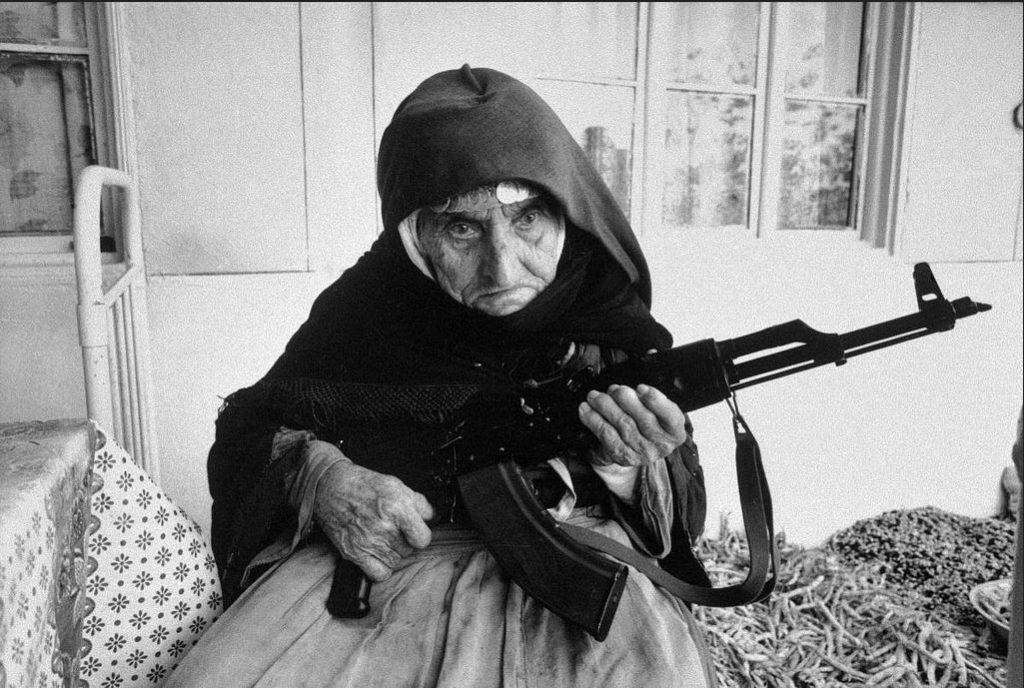 destello mujer armenia